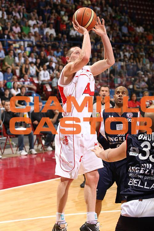 DESCRIZIONE : Milano Lega A 2008-09 Playoff Semifinale Gara 1 Armani Jeans Milano Angelico Biella<br /> GIOCATORE : Jobey Thomas<br /> SQUADRA : Armani Jeans Milano<br /> EVENTO : Campionato Lega A 2008-2009<br /> GARA : Armani Jeans Milano Angelico Biella<br /> DATA : 29/05/2009<br /> CATEGORIA : Tiro<br /> SPORT : Pallacanestro<br /> AUTORE : Agenzia Ciamillo-Castoria/G.Cottini