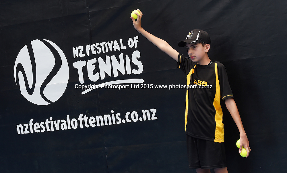 Ballboy on Day 1 at the ASB Classic WTA International. Auckland, New Zealand. Monday 5 January 2015. Copyright photo: Andrew Cornaga/www.photosport.co.nz