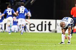 13.04.2011, Veltins Arena, Gelsenkirchen, GER, UEFA CL Viertelfinale, Rueckspiel, FC Schalke 04 (GER) vs Inter Mailand (ITA), im Bild: Wesley Sneijder (Mailand #10) (R) entaeuscht / entäuscht  nach dem 1:0 durch Raul (Schalke #7) (L) EXPA Pictures © 2011, PhotoCredit: EXPA/ nph/  Mueller       ****** out of GER / SWE / CRO  / BEL ******