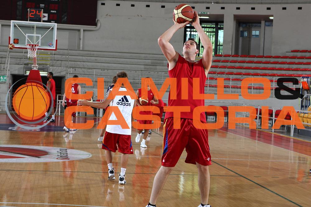 DESCRIZIONE : Roma Lega A 2009-10 Basket Lottomatica Virtus Roma  Allenamento<br /> GIOCATORE : Andrea Crosariol<br /> SQUADRA : Lottomatica Virtus Roma<br /> EVENTO : Campionato Lega A 2009-2010 <br /> GARA : <br /> DATA : 29/08/2009<br /> CATEGORIA : Allenamento<br /> SPORT : Pallacanestro <br /> AUTORE : Agenzia Ciamillo-Castoria/G.Ciamillo