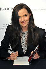 Victoria Pendleton book signing 13-9-12