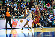 DESCRIZIONE : LegaBasket Serie A 2013-14 Dinamo Banco di Sardegna Sassari - Umana Reyer Venezia<br /> GIOCATORE : Caleb Green<br /> CATEGORIA : Palleggio Penetrazione<br /> SQUADRA :  Dinamo Banco di Sardegna Sassari<br /> EVENTO : Campionato Serie A 2013-14<br /> GARA : Dinamo Banco di Sardegna Sassari - Umana Reyer Venezia<br /> DATA : 16/03/2014<br /> SPORT : Pallacanestro <br /> AUTORE : Agenzia Ciamillo-Castoria / M.Turrini<br /> Galleria : Lega Basket Serie A Beko 2013-2014  <br /> Fotonotizia : LegaBasket Serie A 2013-14 Dinamo Banco di Sardegna Sassari - Umana Reyer Venezia<br /> Predefinita :