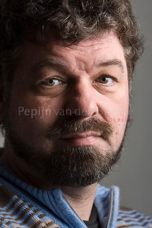 Groningen 3/12/2008. Erwin Huizenga, historicus middeleeuwse medicijnen / neerlandicus middeleeuwse literatuur. foto : Pepijn van den Broeke .