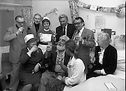 Noel Purcell Celebrates His 81st Birthday.23.12.1981..12.23.1981..23rd December 1981..Noel Purcell celebrates his 81st birthday in the Adelaide Hospital surrounded by family and friends, including Gay Byrne,Joe lynch and Hal Roach.