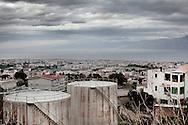 REGGIO CALABRIA. UN VEDUTA DALL'ALTO DELLA CITTA', SULLO SFONDO LE COSTE DELLA SICILIA