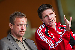 25.06.2012, Steinbergstadion, Leogang, AUT, 1. FBL, Red Bull Salzburg Trainingslager, im Bild Ralf Rangnick, Sportdirektor Red Bulls - Salzburg und Leipzig und Oliver Glasner, Red Bull Salzburg // during the Trainingscamp of Austrian Football Team Red Bull Salzburg at the Steinberg Stadium, Leogang, Austria on 2012/06/25. EXPA Pictures © 2012, PhotoCredit: EXPA/ Juergen Feichter