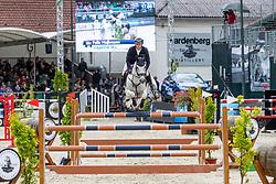 HASSMANN Felix (GER), Cayenne WZ<br /> Nörten-Hardenberg - Burgturnier 2018<br /> Preis der Kreis-Sparkasse Northeim<br /> Internationale Springprüfung mit Stechen (1,45 m)<br /> 1. Qualifikation für den Großen Preis um die Goldene Peitsche<br /> 17. Mai 2019<br /> © www.sportfotos-lafrentz.de/Stefan Lafrentz