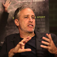 Director Jon Stewart speaks as he is interviewed by University of California Berkeley Graduate School of Journalism students about the film Rosewater at the Berkeley Repertory Theatre on Tuesday, Oct 21, 2004. (Photo/Alex Menendez/ UC Berkeley Graduate School of Journalism)
