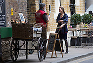 Date:13/10/15<br /> PH:  Nick Edwards<br /> <br /> Pictured: Renee Zellweger<br /> <br /> Caption: Actress Renee Zellweger films scenes from new Bridget Jones movie in London's Borough Market this afternoon