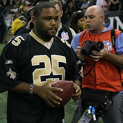 2007 October, 21: Actor Anthony Anderson wearing a Reggie Bush jersey on the sideline after a 22-16 win by the New Orleans Saints over the Atlanta Falcons at the Louisiana Superdome in New Orleans, LA.