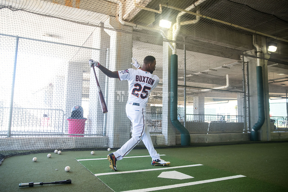 FORT MYERS, FL- FEBRUARY 26: Byron Buxton #25 of the Minnesota Twins bats in the cage prior to the game against the Washington Nationals on February 26, 2017 at Hammond Stadium in Fort Myers, Florida. (Photo by Brace Hemmelgarn) *** Local Caption *** Byron Buxton