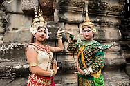 Khmer dancers in Apsara costume at Angkor Wat, Siem Reap, Cambodia