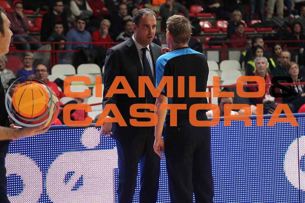 DESCRIZIONE: Varese FIBA Europe cup 2015-16 <br /> Openjobmetis Varese vs Sodertalje Kings<br /> GIOCATORE: Paolo Moretti<br /> CATEGORIA: proteste<br /> SQUADRA: Openjobmetis Varese<br /> EVENTO: FIBA Europe Cup 2015-2016<br /> GARA: EA7 Openjobmetis Varese Sodertalje Kings<br /> DATA: 22/12/2015<br /> SPORT: Pallacanestro<br /> AUTORE: Agenzia Ciamillo-Castoria/A. Ossola<br /> Galleria: FIBA Europe Cup 2015-2016<br /> Fotonotizia: Varese FIBA Europe Cup 2015-16 <br /> Openjobmetis Varese Sodertalje Kings