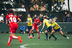Hayley Ladd of Bristol City Women in action - Rogan Thomson/JMP - 06/11/2016 - FOOTBALL - The Northcourt Stadium - Abingdon-on-Thames, England - Oxford United Women v Bristol City Women - FA Women's Super League 2.