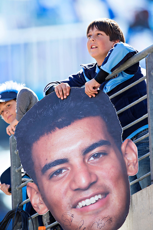 NASHVILLE, TN - OCTOBER 18:  Fan holds a photo of Marcus Mariota #8 of the Tennessee Titans before a game against the Miami Dolphins at LP Field on October 18, 2015 in Nashville, Tennessee.  The Dolphins defeated the Titans 38-10.  (Photo by Wesley Hitt/Getty Images) *** Local Caption ***