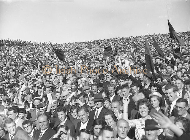 Chasing the ball during the All Ireland Minor Gaelic Football Final Cork v. Mayo in Croke Park on the 24th September 1961. Down 3-6 Offaly 2-8.