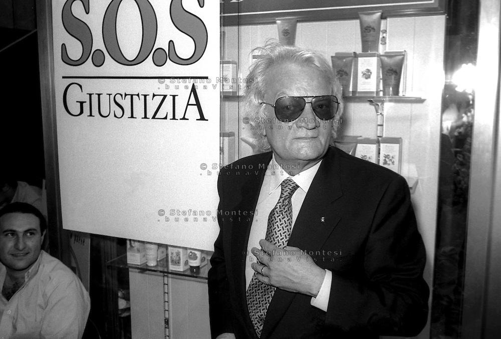 Roma Giugno 1997.Convegno Costituente per il fronte di liberazione della Giustizia  Bruno Contrada sotto inchiesta per concorso esterno in associazione di tipo mafioso