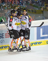 09.10.2015, Keine Sorgen Eisarena, Linz, AUT, EBEL, EHC Liwest Black Wings Linz vs Dornbirner Eishockey Club, 9. Runde, im Bild Jamie Arniel (Dornbirner Eishockey Club) feiert // during the Erste Bank Icehockey League 9th round match between EHC Liwest Black Wings Linz and Dornbirner Eishockey Club at the Keine Sorgen Icearena, Linz, Austria on 2015/10/09. EXPA Pictures © 2015, PhotoCredit: EXPA/ Reinhard Eisenbauer