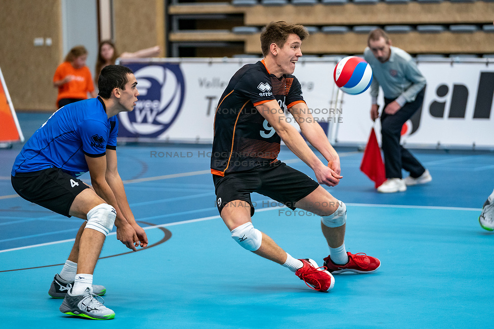 26-10-2019 NED: Talentteam Papendal - Draisma Dynamo, Ede<br /> Round 4 of Eredivisie volleyball - Leon Luini #9 of Talent Team