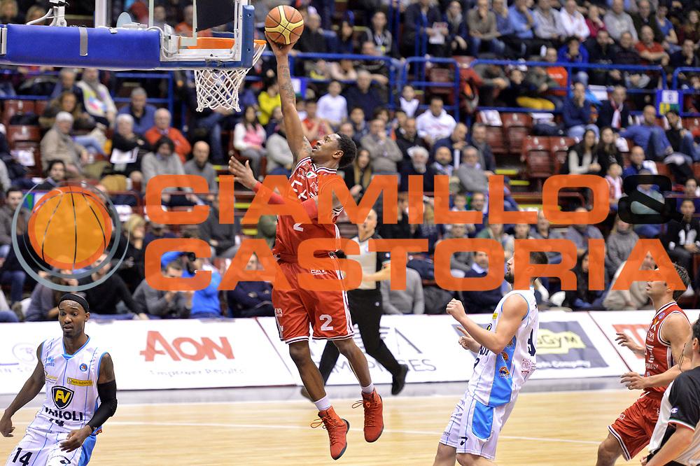 DESCRIZIONE : Milano Lega A 2014-15  EA7 Emporio Armani Milano vs Vagoli Basket Cremona<br /> GIOCATORE : MarShon Brooks<br /> CATEGORIA : Tiro<br /> SQUADRA : EA7 Emporio Armani Milano<br /> EVENTO : Campionato Lega A 2014-2015<br /> GARA : EA7 Emporio Armani Milano vs Vagoli Basket Cremona<br /> DATA : 25/01/2015<br /> SPORT : Pallacanestro <br /> AUTORE : Agenzia Ciamillo-Castoria/I.Mancini<br /> Galleria : Lega Basket A 2014-2015  <br /> Fotonotizia : Cant&ugrave; Lega A 2014-2015 Pallacanestro : EA7 Emporio Armani Milano vs Vagoli Basket Cremona<br /> Predefinita :