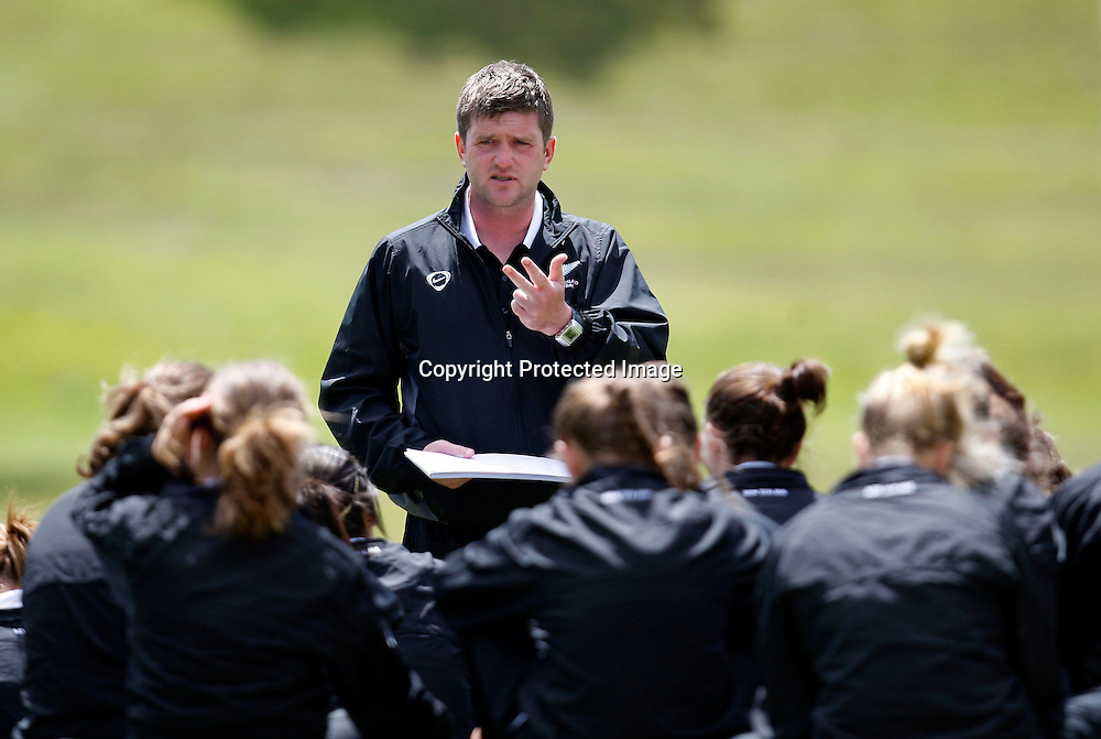 NZ U-17 coach Dave Edmondson. 2009 Lion Foundation National Women's League football, Auckland Football v NZ U-17 Women, Riverhills Park Auckland. Sunday 1st November 2009. Photo: Shane Wenzlick/PHOTOSPORT