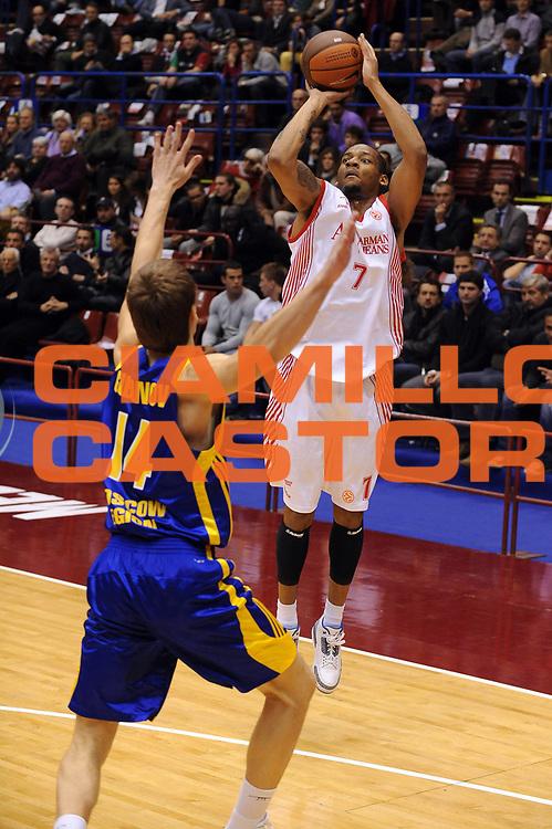 DESCRIZIONE : Milano Eurolega 2009-10 Armani Jeans Milano BC Khimki<br /> GIOCATORE : Mike Hall<br /> SQUADRA : Armani Jeans Milano<br /> EVENTO : Eurolega 2009-2010<br /> GARA : Armani Jeans Milano BC Khimki<br /> DATA : 12/11/2009<br /> CATEGORIA : Tiro Three Points<br /> SPORT : Pallacanestro<br /> AUTORE : Agenzia Ciamillo-Castoria/G.Ciamillo<br /> Galleria : Eurolega 2009-2010<br /> Fotonotizia : Milano Eurolega 2009-10 Armani Jeans Milano BC Khimki<br /> Predefinita :