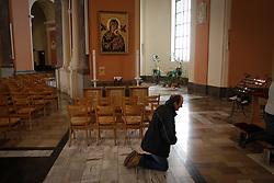 April 14, 2017 - Bydgoszcz, Poland - People are seen attending a service on Good Friday at the Vincent de Paul basilica in Bydgoszcz, Poland on 14 April, 2017. (Credit Image: © Jaap Arriens/NurPhoto via ZUMA Press)