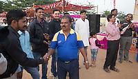KHUNTI (Jharkhand) -  Finaledag Interschool Hockey League 2016. ONE MILLION HOCKEY LEGS  is een project , geïnitieerd door de Nederlandse- en Indiase overheid, met het doel om trainers en coaches op te leiden en  500.000 kinderen in India te laten hockeyen.  Ex international Floris Jan Bovelander    is een van de oprichters en het gezicht van OMHL.  . COPYRIGHT KOEN SUYK