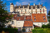 France, Indre-et-Loire (37), Loches, la cité médiévale, le Logis Royal et le chateau // France, Indre-et-Loire (37), Loches, Royal castle and dwelling