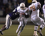 University of Texas running back Jamall Charles (25) brakes up the middle against Kansas State at Bill Snyder Family Stadium in Manhattan, Kansas, November 11, 2006.  The Wildcats upset 4th ranked Texas 45-42.<br />