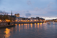 France. Paris. 4th district . Saint louis island , seine river ,and Notre Dame on ile de la cite  / La seine notre dame et l'ile de la cite