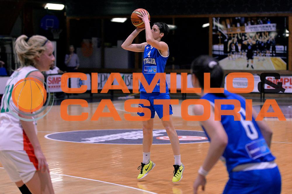 DESCRIZIONE : Roma Amichevole Pre Eurobasket 2015 Nazionale Italiana Femminile Senior Italia Ungheria Italy Hungary<br /> GIOCATORE : Chiara Consolini<br /> CATEGORIA : tiro three points<br /> SQUADRA : Italia Italy<br /> EVENTO : Amichevole Pre Eurobasket 2015 Nazionale Italiana Femminile Senior<br /> GARA : Italia Ungheria Italy Hungary<br /> DATA : 15/05/2015<br /> SPORT : Pallacanestro<br /> AUTORE : Agenzia Ciamillo-Castoria/Max.Ceretti<br /> Galleria : Nazionale Italiana Femminile Senior<br /> Fotonotizia : Roma Amichevole Pre Eurobasket 2015 Nazionale Italiana Femminile Senior Italia Ungheria Italy Hungary<br /> Predefinita :
