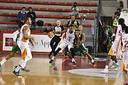 DESCRIZIONE : Roma Lega A 2014-15 <br /> Acea Virtus Roma - Sidigas Avellino <br /> GIOCATORE : Sundiata Gaines <br /> CATEGORIA : difesa controcampo <br /> SQUADRA : Sidigas Avellino <br /> EVENTO : Campionato Lega A 2014-2015 <br /> GARA : Acea Virtus Roma - Sidigas Avellino <br /> DATA : 04/04/2015<br /> SPORT : Pallacanestro <br /> AUTORE : Agenzia Ciamillo-Castoria/GiulioCiamillo<br /> Galleria : Lega Basket A 2014-2015  <br /> Fotonotizia : Roma Lega A 2014-15 Acea Virtus Roma - Sidigas Avellino