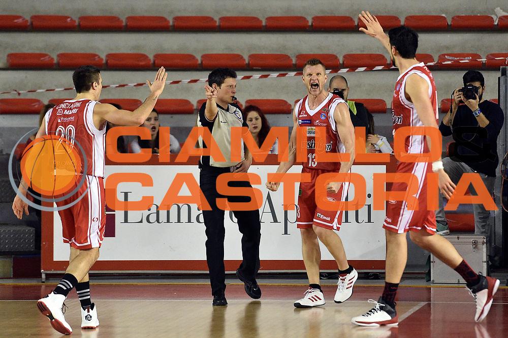 DESCRIZIONE : Roma Lega A 2014-2015 Acea Roma Grissinbon Reggio Emilia<br /> GIOCATORE : Rimantas Kaukenas<br /> CATEGORIA : esultanza<br /> SQUADRA : Grissinbon Reggio Emilia<br /> EVENTO : Campionato Lega A 2014-2015<br /> GARA : Acea Roma Grissinbon Reggio Emilia<br /> DATA : 16/03/2015<br /> SPORT : Pallacanestro<br /> AUTORE : Agenzia Ciamillo-Castoria/GiulioCiamillo<br /> GALLERIA : Lega Basket A 2014-2015<br /> FOTONOTIZIA : Roma Lega A 2014-2015 Acea Roma Grissinbon Reggio Emilia<br /> PREDEFINITA :