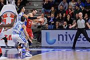 DESCRIZIONE : Sassari LegaBasket Serie A 2015-2016 Dinamo Banco di Sardegna Sassari - Giorgio Tesi Group Pistoia<br /> GIOCATORE : Michele Antonutti<br /> CATEGORIA : Passaggio Penetrazione Controcampo<br /> SQUADRA : Giorgio Tesi Group Pistoia<br /> EVENTO : LegaBasket Serie A 2015-2016<br /> GARA : Dinamo Banco di Sardegna Sassari - Giorgio Tesi Group Pistoia<br /> DATA : 27/12/2015<br /> SPORT : Pallacanestro<br /> AUTORE : Agenzia Ciamillo-Castoria/L.Canu