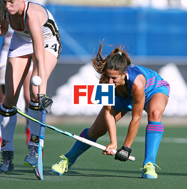 New Zealand, Auckland - 21/11/17  <br /> Sentinel Homes Women&rsquo;s Hockey World League Final<br /> Harbour Hockey Stadium<br /> Copyrigth: Worldsportpics, Rodrigo Jaramillo<br /> Match ID: 10301 - GER vs ARG<br /> Photo: (5) ALONSO Agostina against (24) SPRINK Annika