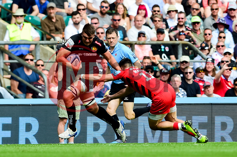 Sam Skinner of Exeter Chiefs is challenged by Sean Maitland of Saracens - Mandatory by-line: Ryan Hiscott/JMP - 01/06/2019 - RUGBY - Twickenham Stadium - London, England - Exeter Chiefs v Saracens - Gallagher Premiership Rugby Final