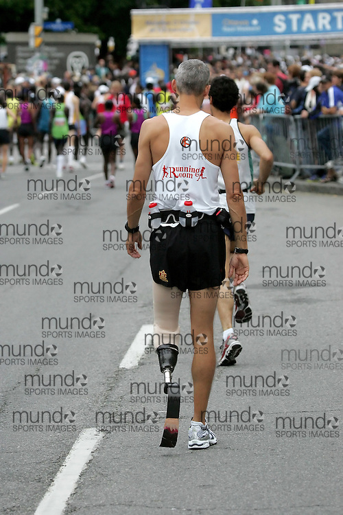 (Ottawa, ON --- May 30, 2010)   RICK BALL prepares to run in the marathon during the Ottawa Race Weekend. Photograph copyright Sean Burges / Mundo Sport Images