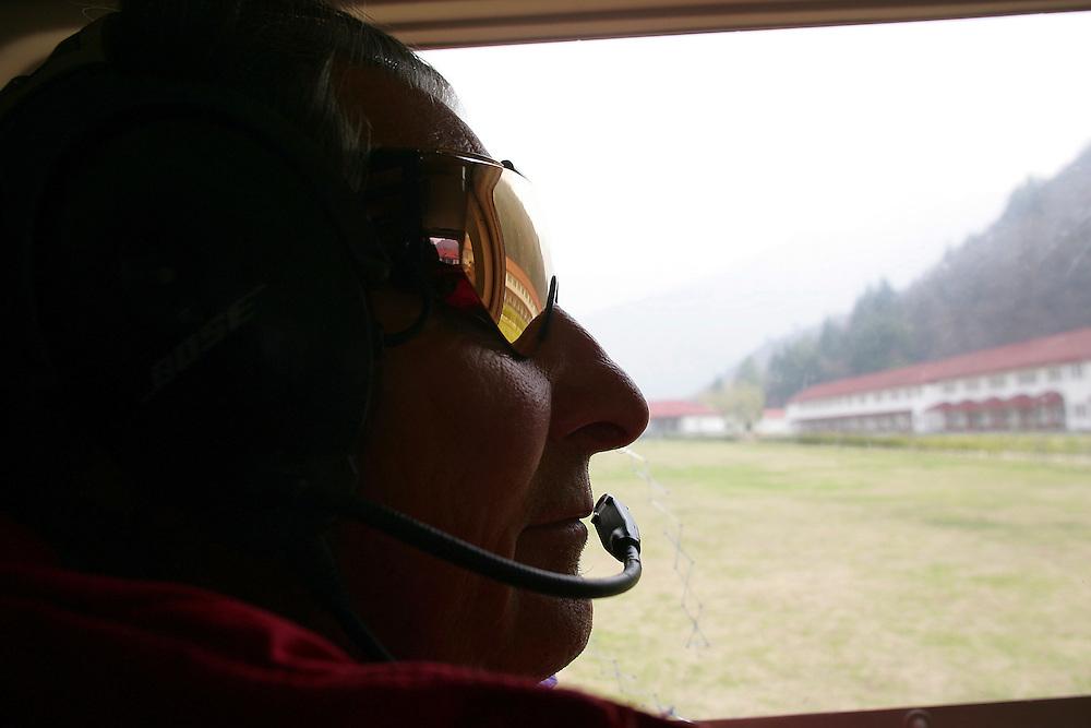 Rider: Sylvain Saudan.Location: Dal Lake at Srinagar (Kashmir India)