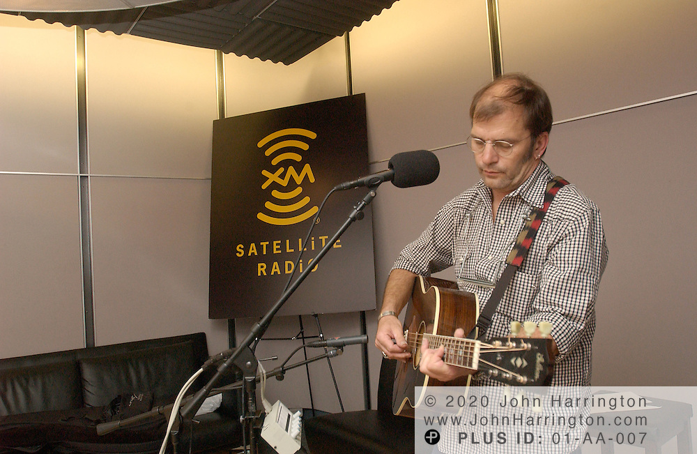 Steve Earle, country music star, preforms inside one of XM Satellite Radio's studios on Monday August 23, 2004.