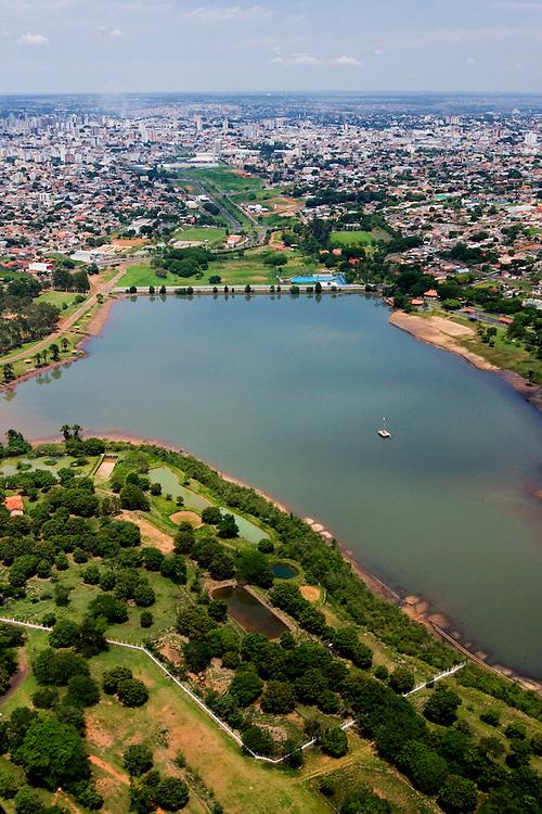 Uberlandia_MG, Brasil...Vista aerea do Parque do Sabia em Uberlandia...The aerial view from the Sabia Park in Uberlandia...Foto: BRUNO MAGALHAES / NITRO