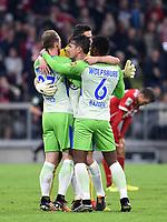 Fussball  1. Bundesliga  Saison 2017/2018  6. Spieltag  FC Bayern Muenchen - VfL Wolfsburg         22.09.2017 JUBEL VfL Wolfsburg; Maximilian Arnold, Paul Verhaegh und Riechedly Bozoer (v.li.)