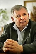 09.07.2006 Warszawa nz Jaroslaw Kaczynski w swoim biurze poselskim.Fot Piotr Gesicki Kaczynski Jaroslaw polish politician statesman in his office in PiS headquarters photo Piotr Gesicki