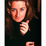 Pía Barros, escritora chilena. En su casa de La Reina, julio 1998. Scan de la diapositiva original. Santiago de Chile,  Wed 18-12-2019 (©Alvaro de la Fuente)