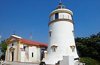 Chine, Macao, Fort de Guia, phare et eglise de Guia // China, Macau, Guia Fortress, Guia Lighthouse and chapel