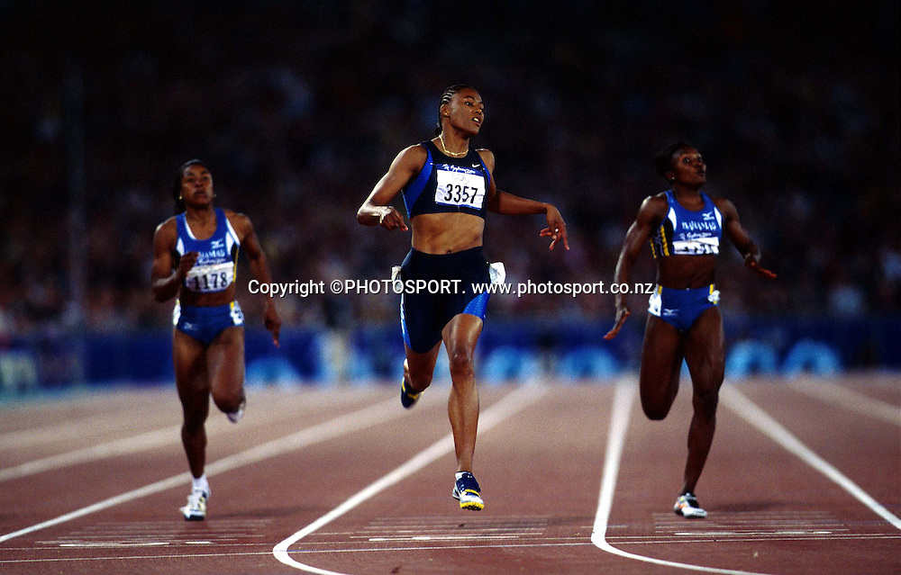 Marion Jones (USA) in action during the Women's 200m Final at the Sydney Olympic Games, on September 28 2000. Photo: PHOTOSPORT<br />