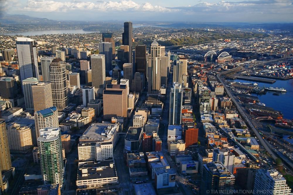 Downtown Seattle & Elliott Bay Waterfront