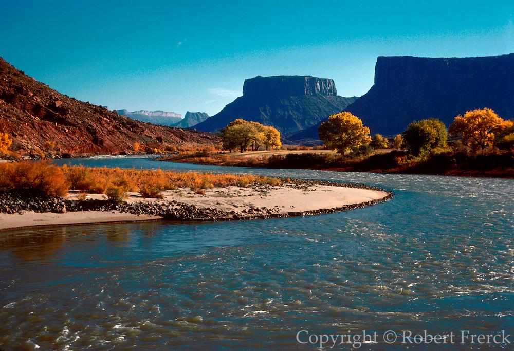 UTAH, LANDSCAPE Colorado River Canyon near Moab, UT