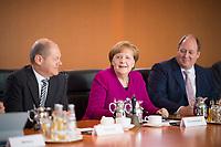 DEU, Deutschland, Germany, Berlin, 21.03.2018: Bundesfinanzminister Olaf Scholz (SPD), Bundeskanzlerin Dr. Angela Merkel (CDU), Kanzleramtsminister Helge Braun (CDU), vor Beginn der 2. Kabinettsitzung im Bundeskanzleramt.