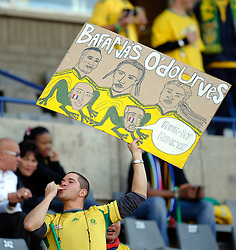 22.06.2010, Free State Stadium Bloemfontein, RSA, FIFA WM 2010, Frankreich (FRA) vs Südafrika (RSA), im Bild A South African fans holds up a card reading 'Bafana's O'dourves. EXPA Pictures © 2010, PhotoCredit: EXPA/ IPS/ Marc Atkins / SPORTIDA PHOTO AGENCY